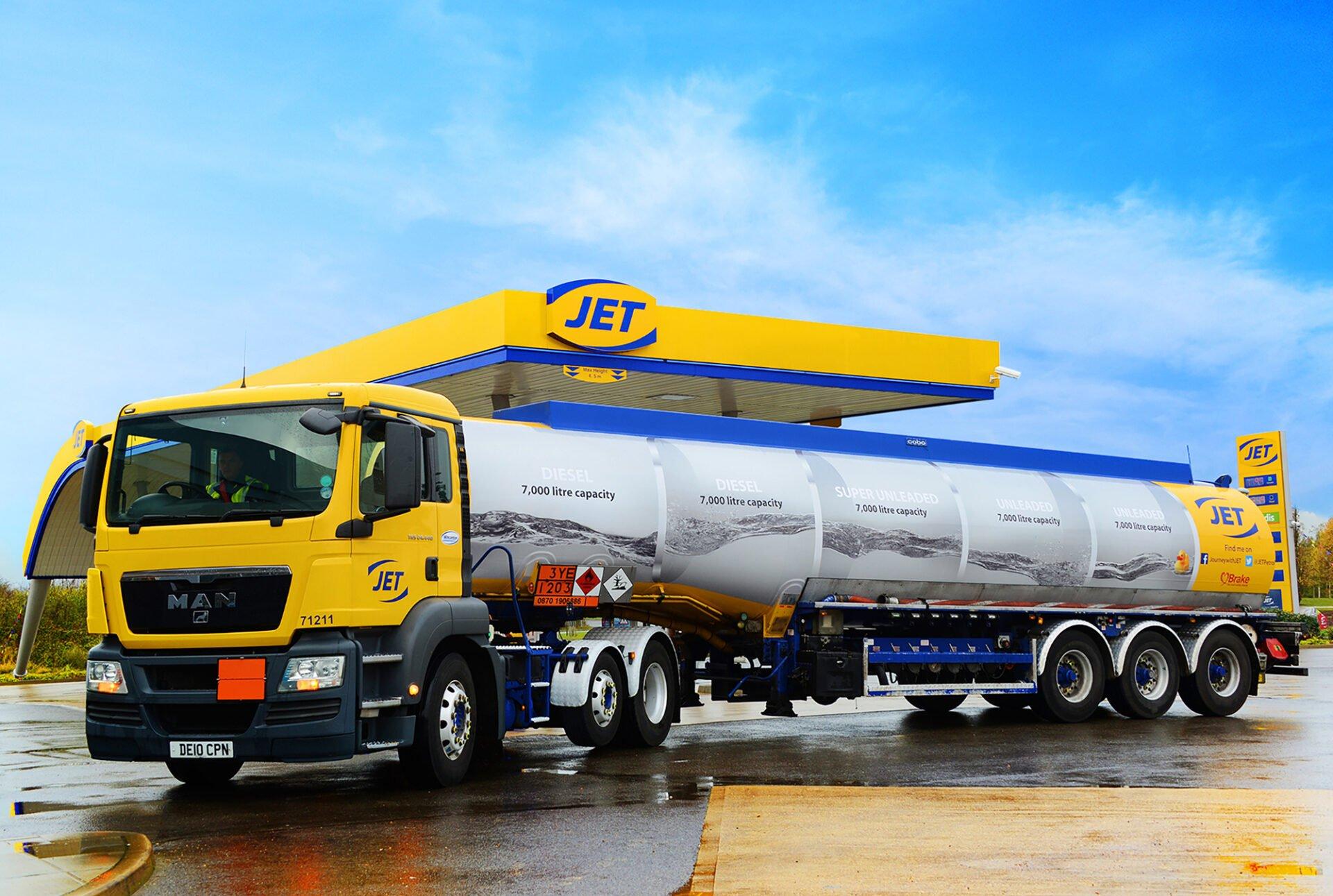 Photography-commercial-Birmingham - jet petrol tanker