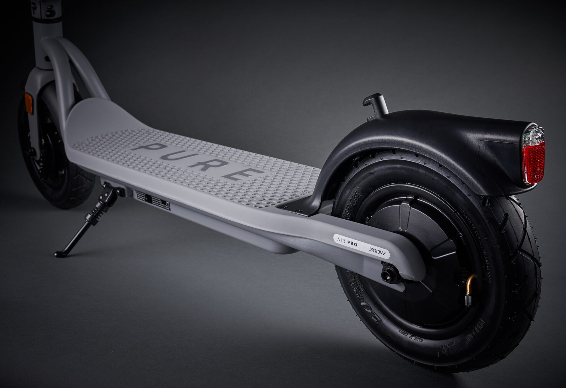 Creative photography electric scooter Grey Air Pro 500 rear wheel